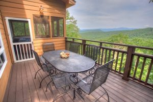 Helen, GA Cabin With Pinnacle Cabin Rentals